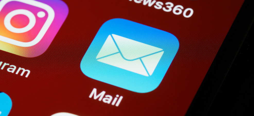Email app on mobile phone